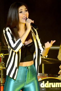 Victoria Justice - Concert Candids in Concord CA went their me Madison