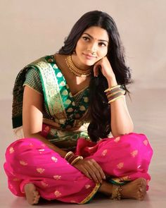 Kashta Saree, Sari, Sonalee Kulkarni, Pooja Sawant, Marathi Bride, Beauty Women, Women's Beauty, Beautiful Actresses, Culture