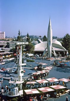 Disneyland back when Tomorrowland was all about rocket ships. Two years later, the Moon Ride was still there, but the rocket was gone. This Kodachrome slide was taken from the late lamented Skyway gondola ride, itself dismantled in Disneyland Tomorrowland, Parc Disneyland, Disneyland California, Vintage Disneyland, Disneyland History, Anaheim California, Disneyland Resort, Disneyland Secrets, Southern California