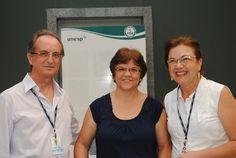 Servidora Rosa Ines Paes Ortiz é homenageada pelos diretores da FMB.