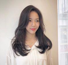 Korean Hair Color, Hair Color For Black Hair, Long Hair With Bangs, Long Hair Cuts, Hair Inspo, Hair Inspiration, Medium Hair Styles, Curly Hair Styles, Ulzzang Hair