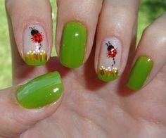 Nail art Ladybug
