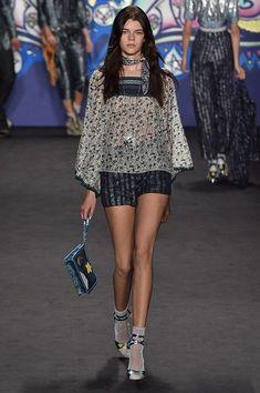 20 Looks with Fashion Designer Anna Sui Glamsugar.com Anna Sui Fall 2015 Ready-to-Wear Fashion Show