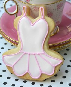 tutu cookies tutorial. This could be adapted for cheerleading dress.