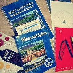 Morning study...feels so good to be back to the books! Specially when they're wine books 🍇🍷😂😂🔝 . In questo periodo abbiamo ripreso i libri...la nostra Brand Manager si prepara per iniziare i percorsi del prestigioso WSET britannico. Tornare ai libri è sempre una bella cosa, soprattutto se i libri parlano di vino!! 😂😂😂 . #cultoridelvino #wset #wset2 #study #winestudy #sistudia #winebook #morningstudy