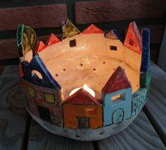 Fantastic Free of Charge Ceramics Projects pottery Thoughts Windlicht Keramik Kerzenständer Adventslicht Lichterhaus Wohndeko Ceramics Projects, Clay Projects, Clay Crafts, Ceramic Houses, Ceramic Clay, Pottery Designs, Pottery Art, How To Make Lanterns, Hand Built Pottery