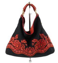b915aa1ca857 GUCCI Black Canvas Red Lizard, Gucci Fashion, Gucci Black, Leather Flats,  Black. 1stdibs.com