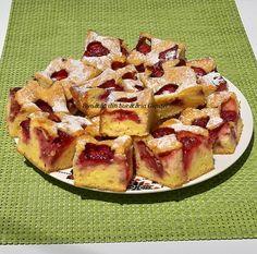 Prajitura cu iaurt si capsuni - Bunătăți din bucătăria Gicuței Kiwi, Waffles, Cheesecake, Breakfast, Recipes, Food, Sweets, Morning Coffee, Cheesecakes