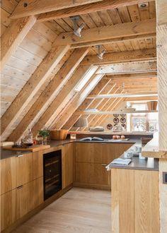 00474905b. Cocina rústica de madera. 00474905b Cabin Interior Design, Cabin Design, Cottage Design, House Design, A Frame House Plans, A Frame Cabin, Tiny House Cabin, Tiny House Living, Triangle House