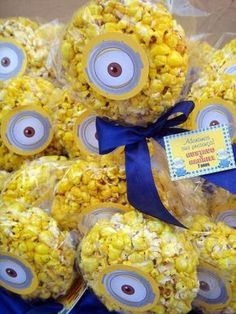 29 Cheerful And Easy Minion Party Ideas Minions Birthday Theme, Minion Theme, 4th Birthday Parties, Baby Birthday, Birthday Party Decorations, Birthday Ideas, Minion Movie, Minion Party Favors, Despicable Me Party