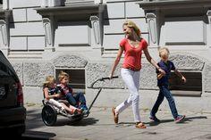 Sicher und bequem durch die Stadt mit dem YippieYo #Geländekinderwagen.