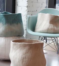 would LOVE to figure out how to make these felt baskets- wet felting Nuno Felting, Needle Felting, Deco Design, Felt Art, Felt Crafts, Fiber Art, Home Accessories, Textiles, Creations