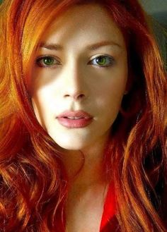Elena Satine as Glenna Ward in Morrigans Cross, the Circle Trilogy, by Nora Roberts Red Hair Green Eyes Female, Hair Colour For Green Eyes, Green Hair, Black Hair, Elena Satine, Light Red Hair, Red Heads Women, Stunning Redhead, Redheads Freckles