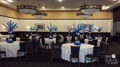 Blue and White Bar Mitzvah centerpiece! | Balloons by Tommy | #balloonsbytommy