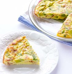 Avocado bacon crustless quiche is perfect for breakfast, lunch, or dinner. Cheese, bacon, and avocado is an amazing combination! Banting Recipes, Low Carb Recipes, Cooking Recipes, Gf Recipes, Diabetic Recipes, Healthy Recipes, Quiche Recipes, Brunch Recipes, Breakfast Recipes