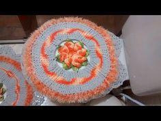 Vídeo aula da capa da tampa do vaso do jogo de banheiro em crochê Princesa parte 1