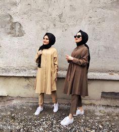 Chic Ways to Wear Tunic For Hijab Outfit Tesettür Hırka Modelleri 2020 Modern Hijab Fashion, Abaya Fashion, Muslim Fashion, Hijab Style, Hijab Chic, Chic Outfits, Fashion Outfits, Hijab Trends, Mode Abaya