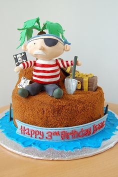 Pirate cake - I'm probably crazy, but I think I might attempt this.