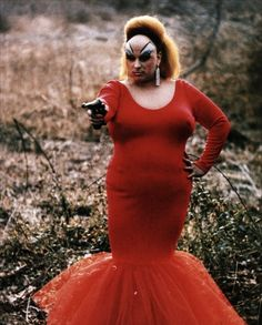 Divine Was the Judi Dench of Drag Queens, She's the one who started it all if you ask me. What an amazing person.