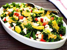 Grönkålsallad med äpple | Recept från Köket.se Pasta Salad, Cobb Salad, Palak Paneer, Broccoli, Vegetables, Healthy, Ethnic Recipes, Food, Christmas