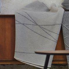 David Fussenegger Wohndecke Lido Waffel Linien diagonal hellgrau 140 x 200 cm…