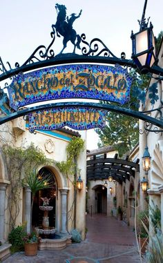 Top 10 Places to Eat at Disneyland Gluten Free