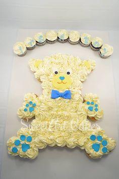 Teddy bear pull apart cupcake cake, baby shower cupcakes