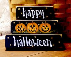 happy halloween This set of 3 shelf sitter sign blocks is hand painted grinning jack o lanterns Set of 3 blocks 4 5 and 6 blocks Tuck on a Halloween Blocks, Halloween Wood Signs, Halloween Wood Crafts, Fröhliches Halloween, Holidays Halloween, Holiday Crafts, Holiday Fun, Halloween Decorations, Halloween Pallet