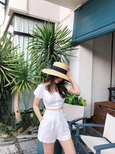 Korean Girl Fashion, Korean Fashion Trends, Korean Street Fashion, Ulzzang Fashion, Asian Fashion, Look Fashion, Fashion Tips, Fashion Quiz, Korea Fashion