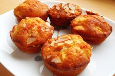 Nice Low-Fat Muffins with Fresh Peaches and Almonds - Best Cupcake Secrets