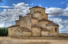 Ermita de la Anunciada Architecture Romane, Romanesque Architecture, Church Architecture, Historical Architecture, Amazing Architecture, Portugal Travel, Spain Travel, Beautiful Places In Spain, Pre Romanesque