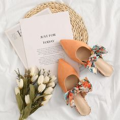 To find out about the Point Toe Bow Decor Flat Mules at SHEIN, part of our latest Flats ready to shop online today! Flat Lay Photography, Clothing Photography, Creative Photography, Fashion Photography, Foto Still, Just For Today, Flat Mules, Shoes Photo, Advertising Photography