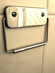 Happy-to-see-you toiletpaper holder