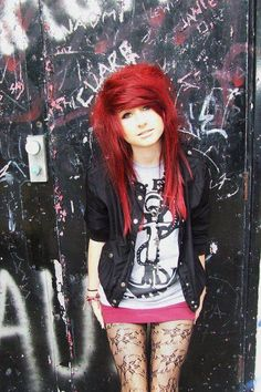 Charmed — Scene hair on We Heart It -. Scene Outfits, Indie Outfits, Pelo Emo, Soft Grunge Hair, Cute Emo Girls, Emo Scene Hair, Scene Bangs, Indie Scene, Alternative Hair