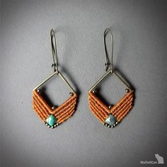 Handcrafted macrame earrings made with linhasita 0,5 mm thread - caramel color, czech glass beads - green turquoise color, square - zamak - bronze tone. The thin 0.5 mm linhasita thread gives a very fine look to the earrings.