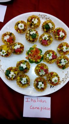 Prestige Bandhan, a multi-cuisine cookery show - held at Prestige Smart Kitchen store, Jamnagar. Italian Canapiece dish prepared by Chef Kiran Madlani Smart Kitchen, Kitchen Store, Kitchen Hacks, Kitchen Outlets, Canapes, Appetizers For Party, Bruschetta, Cooking Tips, Dishes