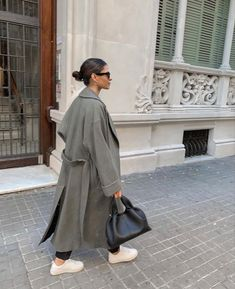 Winter Fashion Outfits, Autumn Winter Fashion, Fall Outfits, Effortlessly Chic Outfits, Zara Fashion, Winter Mode, Ootd, How To Pose, Autumn Street Style