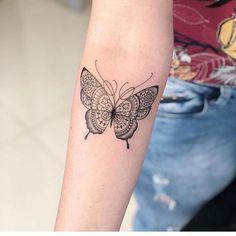 2019 sinnvolle Schmetterling Tattoo Designs – – 2019 Sinnvolle Butterfly Tattoo… – tattoos for women meaningful Butterfly Mandala Tattoo, Unique Butterfly Tattoos, Butterfly Tattoo Designs, Mandala Tattoo Design, Dragon Tattoo Designs, Simple Butterfly, Morpho Butterfly, Monarch Butterfly, Butterfly Tattoo Meaning
