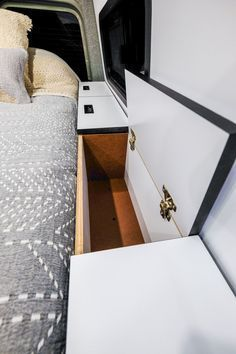 Customs Sprinter Camper Van Conversion Bed -Vanlife Customs Sprinter Camper Van Conversion Bed - Check out these 23 amazing van interiors for ideas on your next build! 30 RV Camper Does Van Life Remodel Inspire You