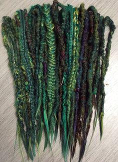 Yarn Dreads, Dread Braids, Locs, Jumbo Braiding Hair, Beautiful Dreadlocks, Dreadlock Extensions, Dreads Styles, Synthetic Dreads, Coloured Hair