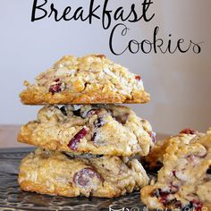 Breakfast Cookies - full of oats, coconut, dried cranberries, and cinnamon for a delicious flavorful cookie, not just for breakfast ~ ha! Oat Cookies, Healthy Cookies, Cookies Et Biscuits, Thumbprint Cookies, Yummy Cookies, Make Ahead Breakfast, Breakfast Dishes, Breakfast Snacks, Breakfast Items