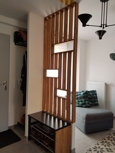 Glass canopy: Claustra in stained pine Room Partition Wall, Living Room Partition Design, Room Partition Designs, Room Divider Walls, Living Room Divider, Home Living Room, Living Room Designs, Living Room Decor, Diy Room Decor