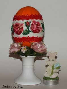 Design by Suzi: Polystyrénové vajíčka Crossstitch, Easter Eggs, Snow Globes, Jar, Spring, Design, Home Decor, Scrappy Quilts, Cross Stitch