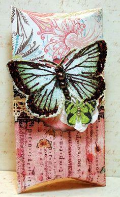 Julie Fei-Fan Balzer Pillow Box Tutorial  ButterflyBox-sm