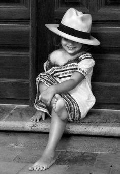 Que meus pés me levem sempre pelos melhores caminhos. Se não forem pelos mais tranquilos, que eu possa tirar lições de tudo que me for oferecido. E que nos momentos de vitória eu possa descansar e aproveitar a paisagem.   Rosi Coelho