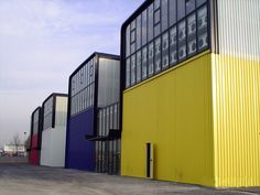 Naves Industriales Pintura Industrial, Parque Industrial, Industrial Park, Industrial Architecture, Industrial Style, Warehouse Project, Warehouse Design, Factory Architecture, Colour Architecture