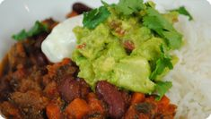 Chilli Con Carne with Guacamole, Sour Cream and Basmati Rice – 483kcals and 15.3 of fat per serving.