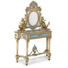 Con aplicaciones de  porcelana de Sevres, Francia,siglo XVIII