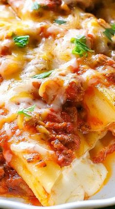 String Cheese Manicotti - The Girl Who Ate Everything Pasta Recipes, Beef Recipes, Cooking Recipes, Pasta Dishes, Food Dishes, Food Food, Main Dishes, Best Italian Recipes, Amor