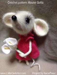 097 Mouse Sofia - Amigurumi Crochet + Knitting (dress) Pattern PDF file by Pertseva - Вязание игрушек - narbe Needle Felted Animals, Crochet Animals, Needle Felting, Crochet Mouse, Crochet Dolls, Amigurumi Patterns, Crochet Patterns, Crochet Stitches, Felt Mouse